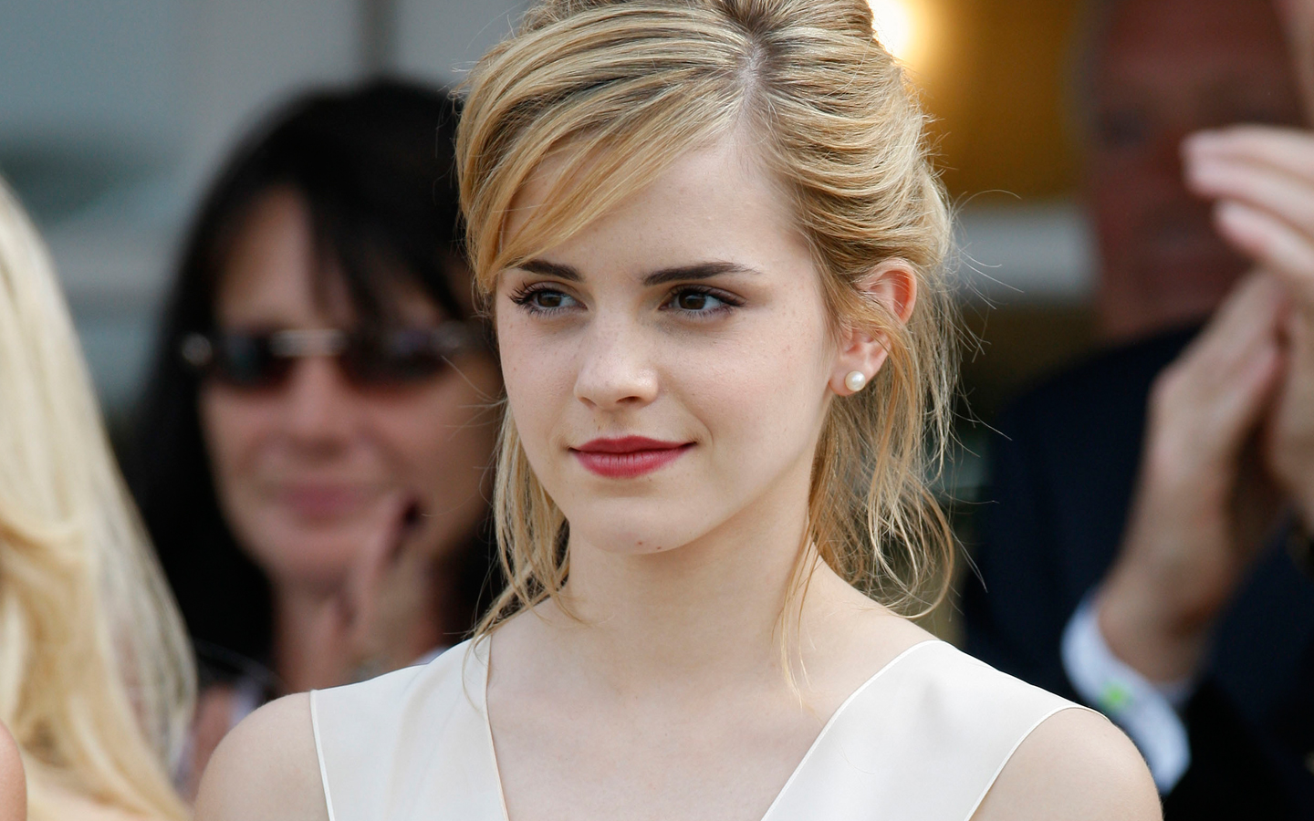 Can look Emma watson white dress upskirt completely